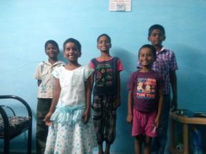 Barna på barnehjemmet